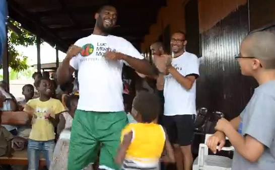 Luc Mbah a moute Camp 2013 -  orphanage