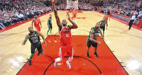 Houston s'impose au finish face à Boston 123-120