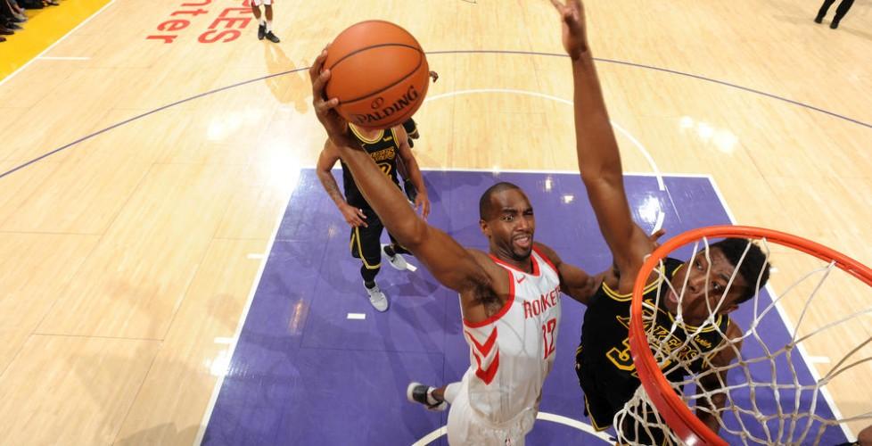 Luc Mbah a Moute se blesse lors de la victoire chez les Lakers 105-99