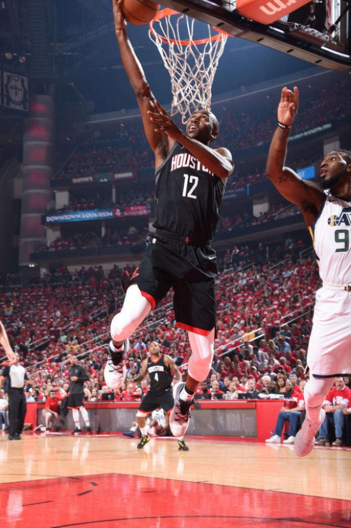 Les Rockets s'inclinent 116-108 dans le Game 2, Utah égalise 1-1.